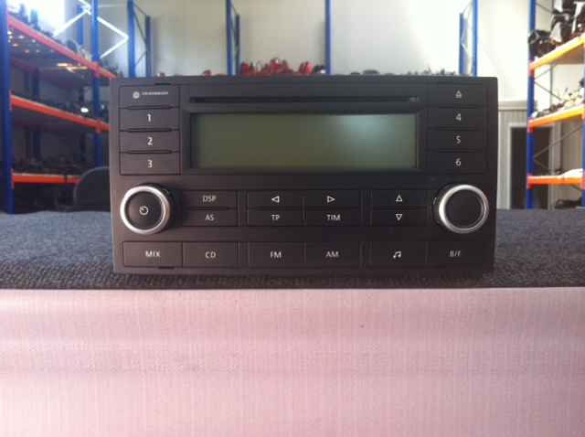Vindem CD Player VW Touareg