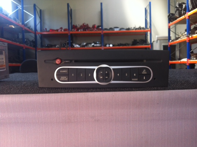 Vindem CD Player Renault Laguna 2
