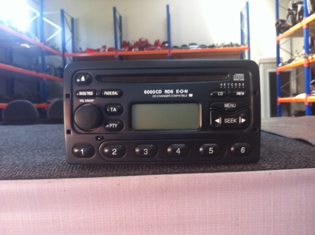 Vindem CD Player Ford Fiesta